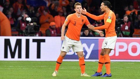 MONSTRE: Matthijs de Ligt og Virgil van Dijk kjenner hverandre godt fra det nederlandske landslaget.