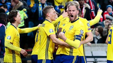 Sveriges landslagskaptein Andreas Granqvist er tilbake etter skade for sitt klubblag Helsingborg når de får besøk av AIK onsdag kveld. Her jubler Granqvist under EM-kvalifiseringskampen mellom Norge og Sverige på Ullevaal stadion i slutten av mars. En kamp som endte 3-3.