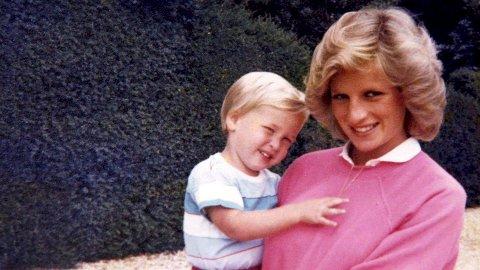 TAPET AV MOREN: I en ny BBC-dokumentar åpner Prins William opp om psykiske problemer etter tapet av moren Diana.