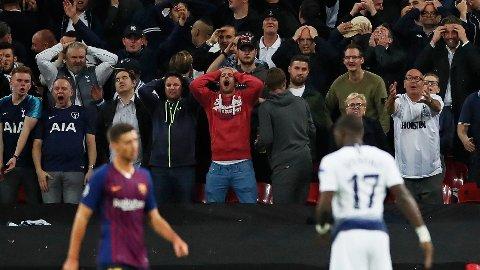 FANS: Flere tilreisende Tottenham-supportere skal ha blitt behandlet svært tøft av spanske sikkerhetsvakter i bortemøtet mot Barcelona. Her fra hjemmemøtet på Wembley.