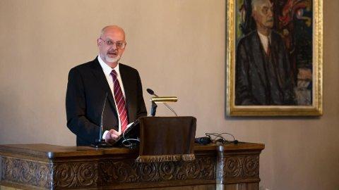 KREVER FORBEDRINGER: Visesentralbanksjef Jon Nicolaisen mener det er behov for forbedringer i det norske betalingssystemet.