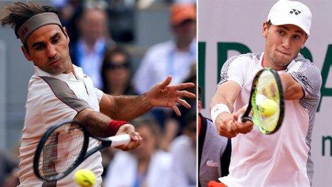 STOR STUND: Superstjernen Roger Federer (til venstre) har vært et av Casper Ruuds store forbilder gjennom oppveksten. Fredag møtes de i nordmannens desidert største kamp i karrieren til nå.