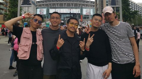 LIVING THE DREAM: The five dancers of Main Guys outside Wembley Arena; David Leung, Arvin Go, Jan Erik Santos, Kevin Vasquez,og Yasin Tatby.