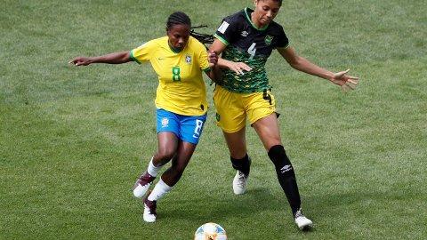 FLEST MESTERSKAP: Brasils Formiga (til venstre) har spilt hele syv VM.