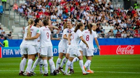 AVANSERTE: Det norske laget storspilte ikke, men sikret avansement til åttedelsfinalen i VM etter 2-1 mot Sør-Korea mandag.