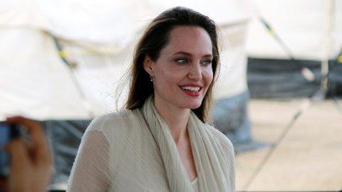 NY JOBB: Angelina Jolie har valgt å utvide horisonten i karrieren, og har startet ny jobb som skribent i et av verdens største magasiner.