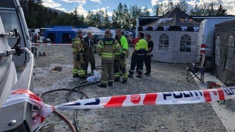 SLUKKET: Brannvesenet hadde mannskaper på Vinjarmoen og var raskt på plass. Foto: Alexander Ranum Nilsen
