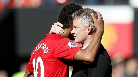 HAR TROEN: Marcus Rashford har et godt forhold til manager Ole Gunnar Solskjær som han tror vil lede United tilbake til toppen av engelsk fotball.