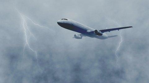 LYN: De fleste piloter opplever at flyet de flyr blir truffet av lynet to til tre ganger i året, men svært sjelden oppstår det skader på selve flyet. Illustrasjonsfoto: Getty Images