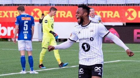 Samuel Adegbenro har vist strålende form i det siste. Her jubler han etter å ha sendt Rosenborg i føringen 1-0 i torsdagens bortekamp mot Ranheim.