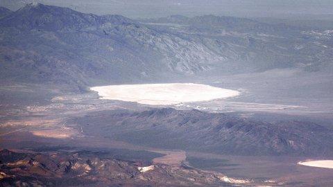 HEMMELIGHETSFULLT: Area 51 har i mange tiår vært i konspirasjonsteoretikerne søkelys. Mange tror bevis for utenomjordisk liv blir skjult i området.