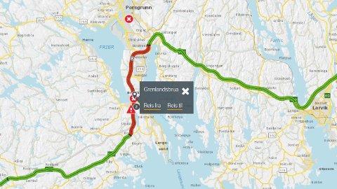 KØ: Det er store trafikale problemer langs E18 ved Grenlandsbrua etter en ulykke mellom en motorsykkel og en bil.
