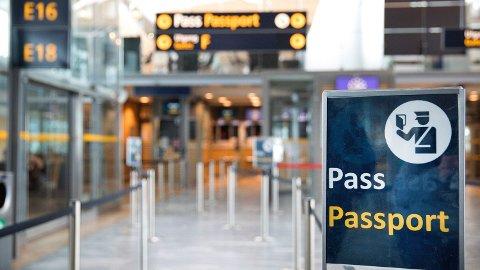 Kvinnen ble frastjålet passet sitt på Gardermoen før ferien. Foto: Gorm Kallestad / NTB scanpix