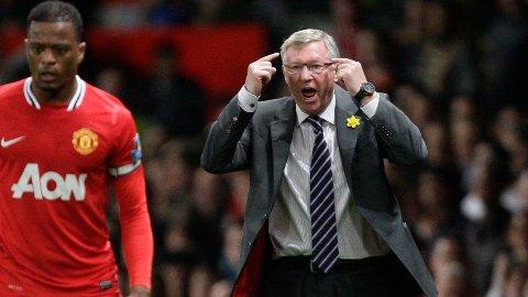 ROSER GAMLESJEFEN: Manchester Uniteds managerlegende Alex Ferguson får rosende ord fra sin tidligere elev Patrice Evra. Selv om Evra trolig ikke fikk det samme ved denne situasjonen.