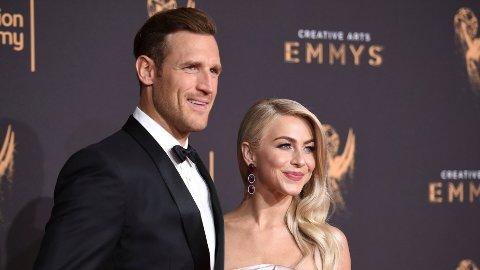 GIFT: Etter to år som ektefeller kommer Hollywoodstjernen Julianne Hough ut av skapet til ektemannen Brooks Laich.