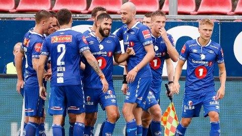 JUBEL: Ranheim-spillerne jubler etter en sterk borteseier mot Haugesund.