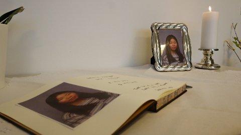 MINNESTUND: Det var Johanne Zhangjia Ihle-Hansen som ble drept av stebroren Philip Manshaus. Tirsdag var det minnestund på Sandvika videregående skole.