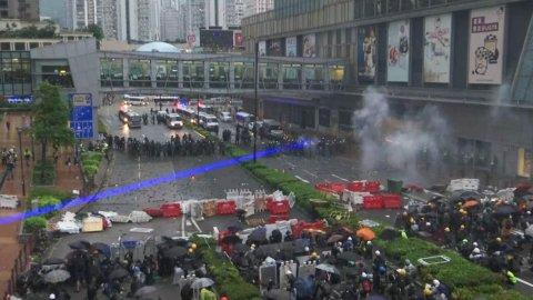 DEMONSTRASJONER: Søndag fortsetter demonstrasjonene i Hongkong.