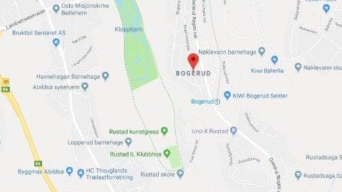 TRUET MED VÅPEN: En mann har truet naboen med våpen på Bogerud i Oslo.
