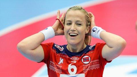 STJERNE: Heidi Løke har vært en stjerne for klubblag og landslag i en årrekke. Nå skal hunne jakte mer jubel med Vipers Kristiansand.