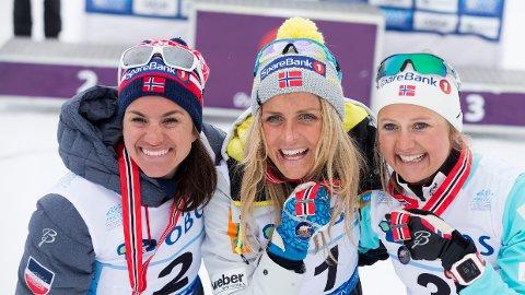 STÅR FAST: Heidi Weng, Therrese Johaug og Ingvild Flugstad Østberg er blant utøverne som fortsatt venter på å få fly.