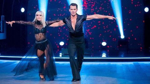 KAN DE VINNE? Aleksander og Nadya leverte en heftig tango - og tok kveldens høyeste poengsum med hjem. Foto: Thomas Andersen / TV 2