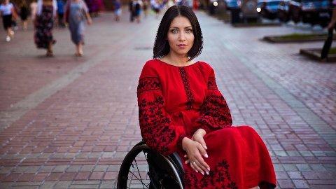 """Kiev, Ukraina: Da Uliana var 21 år gammel var hun i en alvorlig ulykke. Nå veileder andre som har vært i ulykker, med et ønske om å gi dem håp og perspektiv. """"Folk som Uliana viser oss menneskeheten på sitt beste. For meg er det den reneste formen for skjønnhet"""", skriver Noroc."""