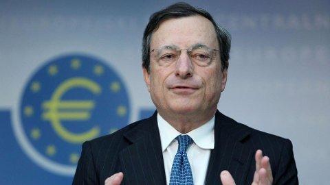 SUPER-MARIO: Den europeiske sentralbanksjefen Mario Draghi setter ned styringsrenten med 0,1 prosentpoeng.