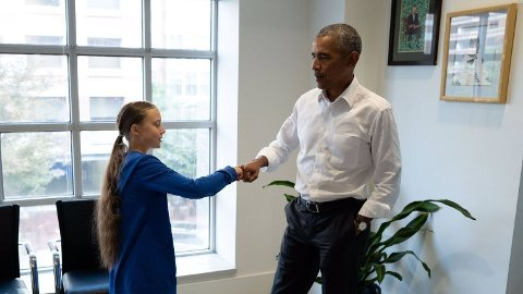I en Twitter-melding tirsdag kveld hyller den tidligere presidenten Barack Obama 16 år gamle Greta Thunberg.