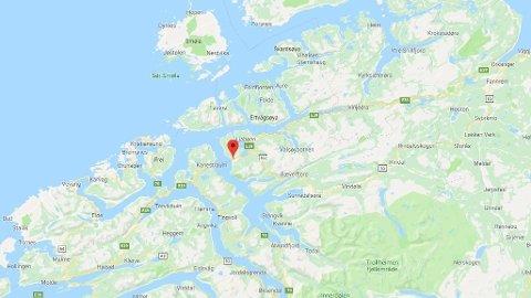 ULYKKE: En mann ble funnet i sjøen i Halsa i Møre og Romsdal.