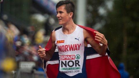 Jakob Ingebrigtsen er et av Norges største medaljehåp i VM. I kveld skal Jakob ut i forsøksheat på 5 000 meter.