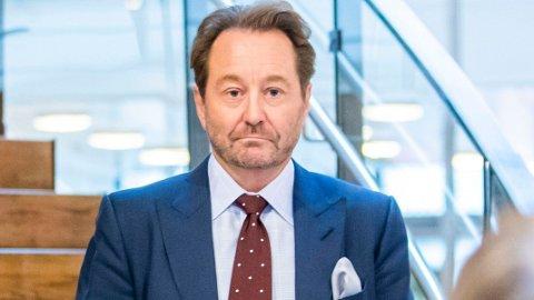 RØKKE I STORM: - Å ha hatt kontakter med en torpedo, er selvsagt ikke bra for en forretningsmanns omdømme, sier omdømmeekspert Trond Blindheim etter Kjell Inge Røkkes stormfulle uke i Oslo tingrett.