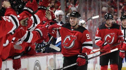 Nikita Gusev ble hentet til New Jersey Devils før denne sesongen og innledet med å score 1-0 målet for Devils i seriepremieren hjemme mot Winnipeg Jets.