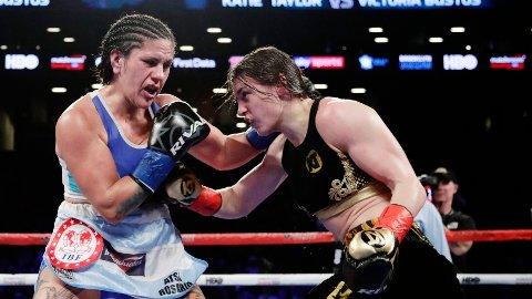 MOTSTANDER? Victoria Noelia Bustos (til venstre) hevder hun skal møte Cecilia Brækhus i Monaco. Her under oppgjøret mot Katie Taylor, som også har vært koblet til en kamp mot Brækhus.
