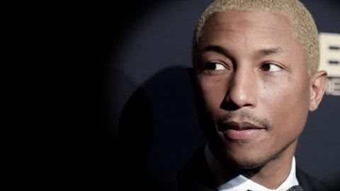 ANGRER: Pharrell Williams angrer i dag på teksten i hitlåta «Blurred Lines».