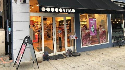 KONKURS: Selskapet som eier velværekjedene Vita og Loco er konkurs. Dette rammer 300 ansatte i Oslo og Mjøndalen samt i 23 egeneide Loco-butikker, i tillegg til 207 franchisedrevne VITA-butikker i hele Norge, med i alt 1000 ansatte.