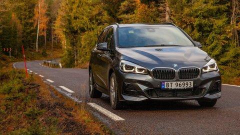 I front er det noen få hint om at BMWs storselger 225xe er oppgradert - men det viktigste har skjedd under skallet.