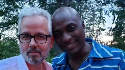 PRINSESSENS EKSMANN: Durek Verrett delte søndag dette bildet av seg selv og Ari Behn.