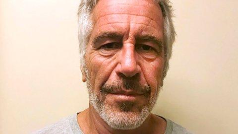 I et oppsiktsvekkende intervju på Fox News sier den berømte patologen Michael Baden at den sextiltalte mangemilliardæren Jeffrey Epstein (bildet) ikke tok sitt eget liv, men var utsatt for et drap.