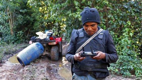 Ifølge BBC ble Paulo Paulino Guajajara skutt i Araribóia i delstaten Maranhão. Han var leder av indianerstammen Guajajaras og medlem av en miljøaktivistgruppe for å beskytte regnskogen (NTB).