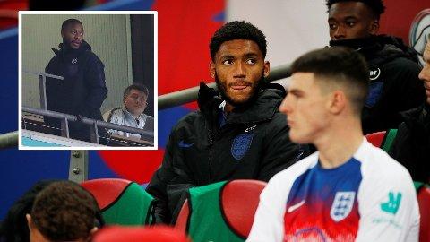 - BUET UT. Liverpools Joe Gomez skal ha blitt buet ut av Englands fans i etterkant av bråket med Raheem Sterling.