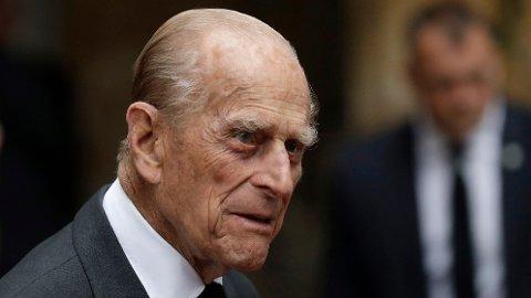 FRAKTET TIL SYKEHUS: Britiske prins Philip, ektemannen til dronning Elizabeth, er fraktet til sykehus.