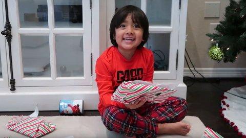 RIKING: Åtte år gamle Ryan Kaji tjener nok til en ekstra gave under juletreet i år.