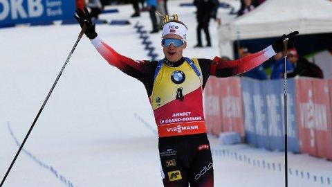 BEST IGJEN: Johannes Thingnes Bø knuste all motstand i Frankrike på fellesstarten.