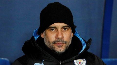 HØYERE MAKTER: Manchester City-manager Josep Guardiola mener at det skal svært mye til for at laget hans tar igjen Liverpool.