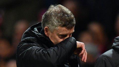 NOK Å TENKE PÅ: Ole Gunnar Solskjær fikk nok å tenke på under kampen mot Manchester City. Byrivalen regelrett rundspilte Manchester United.