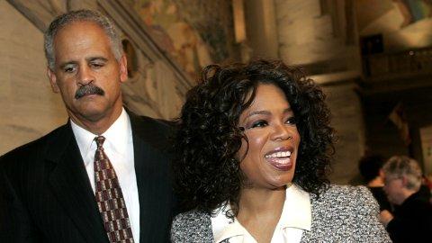 FORLOVET MEN IKKE GIFT: Selv om Oprah Winfrey og kjæresten Stedman Graham er forlovet, kommer de aldri til å gifte seg. Her er de avbildet i Oslo under Nobelkonserten i 2004.