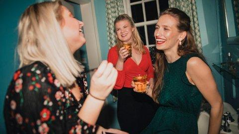 PÅVIRKER HJERNEN: Et høyt alkoholforbruk er ikke bra for hjernen.