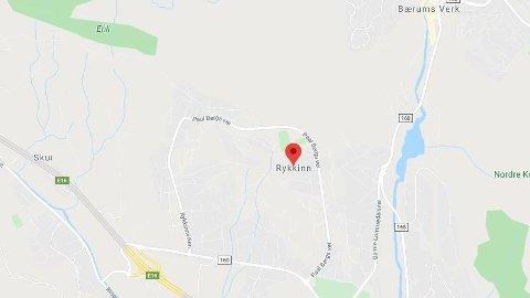 BRANN: En kvinne i 90-årene er alvorlig skadd etter en brann på Rykkinn i Bærum.
