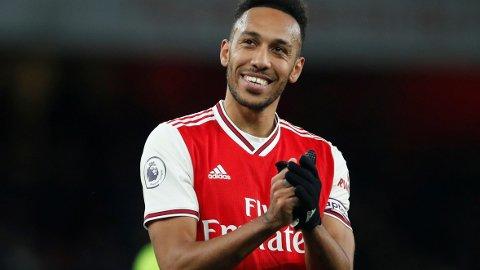 Pierre-Emerick Aubameyang er i scoringsform og scoret to av målene for Arsenal når de vant 3-2 hjemme mot Everton søndag.